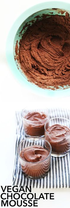 Thick, rich 3-ingredient Vegan Chocolate Mousse! So fast and SO delicious! #vegan #glutenfree
