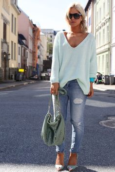 SKINNY OR FITTED JEANS.  Big off the shoulder sweater.  heels & sunglasses.  GREAT for your photo shoot!