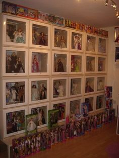 Barbie room!   Storage/display ideas, wonderful!