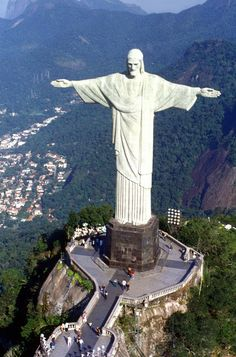 World Amazing Gallery: The Jesus statue - Brazil