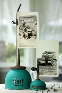 oil can photo holders is part of Garage decor - I'm fond of old oil cans, is that weird I picked up a couple of them at garage sales this summer Although they were OK as is, I kept thinking about this fantastic bright blue oil can that I… Restaurant Design Vintage, Vintage Design, Style Vintage, Vintage Stuff, Rustic Style, Antique Decor, Vintage Home Decor, Rustic Decor, Vintage Ideas