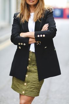 Blazer style| Military skirt| How to style a simple blazer|