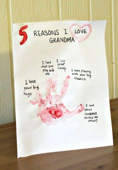 A meaningful and sweet Preschool Valentine Craft for Grandma (or Mama!)  5 Reasons Why I Love You!