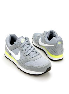 Nike-684616 MD Runner Suede   Durlinger Schoenen
