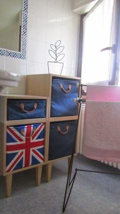 Porta-asciugamani e vaso di ferro nel bagno delle camere