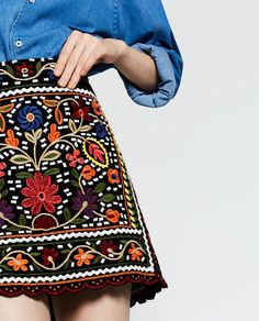 Image 4 of FLORAL EMBROIDERED SKIRT from Zara