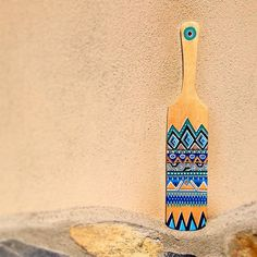 I've found this spatula at the village bazaar. I don't know what it is! But it was so fun to draw it... 😊 #handpainted #wooden #woodencraft #doodle #handpaintedwoodenspoon #holiday #diy #hobby #barbaleatherstudio #instaart #boho #pattern #unique #paint #painting #art #draw #design #sketching #leatherbag #leathercraft #drawing #trend #instaart #giftidea #meditation #mandala #zen #woodencheeseboard #diyoftheday