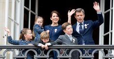 Wir verraten, wie Mary und Frederik von Dänemark ihren Kindern trotz der vielen Pflicht-Reisen immer nah sein können.