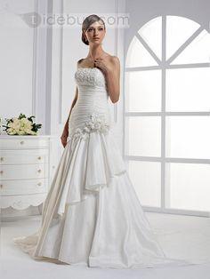 フラワーマーメイドストラップレスロングフロアチャペルトレーンウェディングドレス