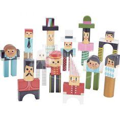 Originální dřevěné kostky, ze kterých postavíte spoustu postaviček. Můžete je ale i stavět jako obyčejné kostky. Nádherný francouzský design a kvalitní dřevo. Uloženy v dárkové krabičce, která se stane krásnou dekorací v dětském pokoji.