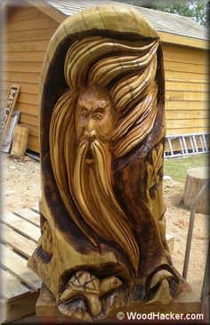 chainsaw carving Chainsaw Wood Carving, Dremel Wood Carving, Wood Carving Art, Wood Carvings, Chain Saw Art, Wood Carving Patterns, Carving Designs, Art Carved, Tree Sculpture