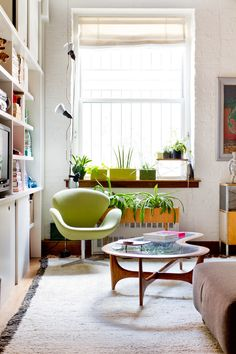 My Houzz: Brin & Nate - eclectic - living room - new york - Rikki Snyder Arne Jacobsen, Eclectic Living Room, Living Spaces, Style At Home, Furniture Sale, Outdoor Furniture Sets, Verde Greenery, Houzz, Living Room New York
