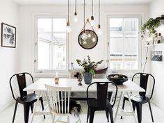 Een eclectische stoelendans rond je tafel? Doen! Door verschillende stoelen rond je eettafel te combineren, creëer je een speelse look.