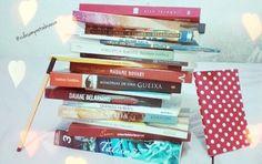 #LivroTodoDiaJaneiro Dia 2 Pra ler esse ano Separei alguns livros que estão na minha meta desse ano. Pode parecer bastante, mas eu ainda quero ler muito mais. Esse ano quero bater 52 livros lido, um por semana.  Qual a meta de vocês?  #VePeB #InstaLiterário #Livros #Books #LiteraturaNacional