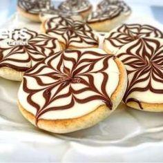 Yine Bir Tarifle Daha Geldim 🤗 Sugar, Cookies, Desserts, Food, Kitchen, Crack Crackers, Tailgate Desserts, Cuisine, Biscuits