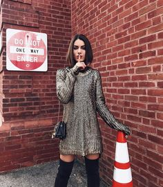 "78.1k Likes, 256 Comments - Camila Coelho (@camilacoelho) on Instagram: ""Comfy Friday (veryyyy productive day today, running around and shooting videos)! ------ Dia super…"""