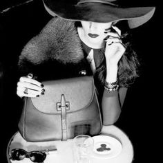 Roberta...Charme and More: So Classy