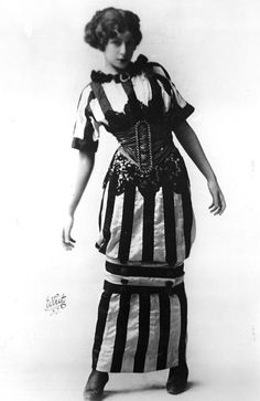 """Hobble Skirt: a skirt deigned by Paul Poiret that was loose around the hips and upper legs but was cinched at the knees. Paul Poiret quoted in regards to the hobble skirt, """"I freed the bosom, shackled the legs, but gave liberty to the body. Paul Poiret, Edwardian Era, Edwardian Fashion, Vintage Fashion, Edwardian Dress, Jean Patou, Vintage Outfits, Hobble Skirt, Mode Costume"""