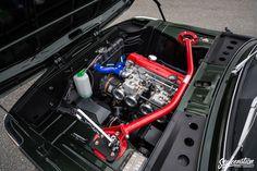 BMW 2002tii worked engine bay