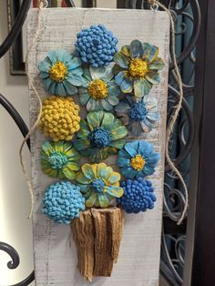 Blue and Yellow handpainted pinecone flower bouquet on reclaimed wood. Diy Arts And Crafts, Cute Crafts, Crafts To Do, Wood Crafts, Diy Crafts, Diy Wood, Pine Cone Art, Pine Cone Crafts, Pine Cones