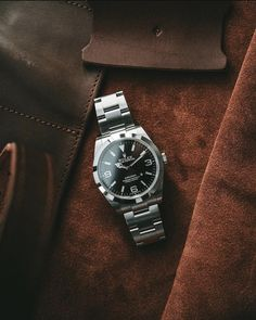 Dream Watches, Luxury Watches, Rolex Explorer Ii, Black Luxury, Bang Bang, Watches For Men, Clock, Leather, How To Wear