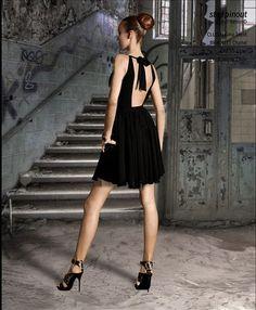 #Tenue de #réveillon : petite robe noire et talons hauts