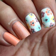 What can I do, lately I've been obsessed with floral nails! 😄🌸🌺  〰〰〰〰〰〰〰〰〰〰〰〰〰〰〰〰〰〰  💢 Barry M Super Mani  💢 Moyra Sweetie  💢 Essence Wild White Ways  💢 holo topper from @alice_in_effin_wonderland  💢 Essence Love Is In The Air  💢 Essence You And Me?  💢 Barry M Sugar Apple  💢 Moyra SP. 06  💢 China Glaze Everglaze  〰〰〰〰〰〰〰〰〰〰〰〰〰〰〰〰〰〰  #notd #nailsoftheday #nailart #nailporn #instanails #nailstagram #floralnails #flowers #pastel #spring #tavasz #virág #körmök