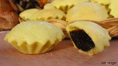 Bocconotti are traditional Italian cookies made with a fragrant sweet shortcrust pastriY filled with grape jam chocolate, almonds and cinnamon  #Abruzzo #italianrecipes
