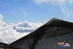 L'Etna (Mungibeddu o 'a Muntagna in siciliano) è un complesso vulcanico siciliano originatosi nel Quaternario e rappresenta il vulcano attivo più alto e esteso d'Europa.