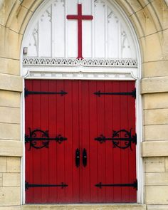 I love this red door and the red cross over it!