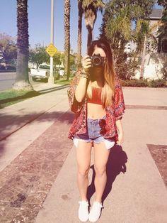 kimono, high waisted shorts, converse, hippie shades
