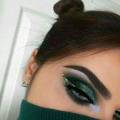 Makeup 50 Inspire Eye Make Up Ideas For This Christmas Glam Makeup, Makeup Inspo, Makeup Art, Makeup Inspiration, Beauty Makeup, Hair Makeup, Dramatic Makeup, Makeup Style, Makeup Trends
