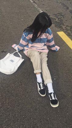 Lấy = Follow #Miinizb Outfits Juvenil, Korean Short Hair, Korean Girl Fashion, Cute Asian Guys, Foto Casual, Sexy Socks, Uzzlang Girl, Japanese Girl, Swagg