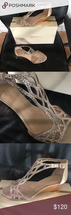 Vince Camuto Imagine Shoes Gold Wedges Sandals. Vince Camuto Shoes Wedges