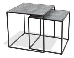 Tables basses gigognes en metal noir et gris beton de la marque MOSE.
