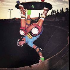 Dave Andrecht doing an Andretch Del Mar 1979 Old School Skateboards, Vintage Skateboards, Skateboard Pictures, Skate And Destroy, Skate Park, Convertible, Surfing, Stone Age, Photoshoot