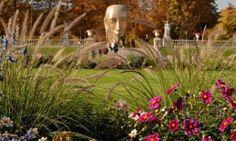 Huge golden head in the Jardin du Luxembourg