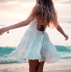 www.solidcloset.com - chiffon dress and the beach
