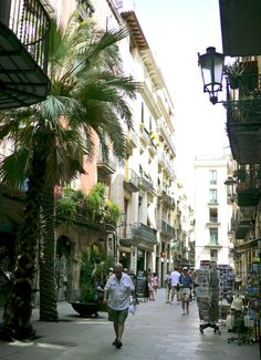 Borne Area- It's the lower section of La Ribera  district and one of the trendiest and most fashionable districts in the old city. You'll find many boutiques, bars and cafés, especially in Rec street and all the small streets surrounding the Paseo del Borne. #lolagracetour #barcelona #culture