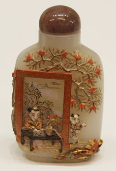 Chinese Qing Dynasty (1644-1911) white jade & mother of pearl snuff bottle