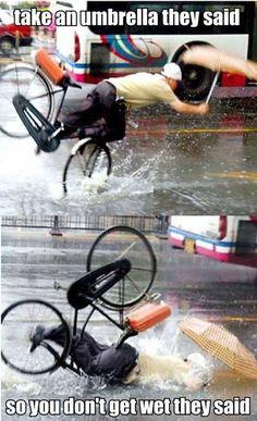 Umbrella bike fail. #cycling #tweko