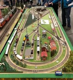 Model Trains Ho Scale, N Scale Trains, Ho Trains, Ho Scale Train Layout, Ho Train Layouts, Image Train, Lionel Trains Layout, Escala Ho, Model Railway Track Plans
