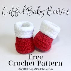 *UPDATE* New Holiday version! Crochet baby bootie patterns are some of the most popular handmade patterns. These crochet baby booties will keep a little one's feet nice and cozy! Perfect project for a baby gift, and very beginner friendly. Crochet Baby Boots, Crochet Santa Hat, Crochet Bebe, Booties Crochet, Crochet Slippers, Crochet For Kids, Free Crochet, Baby Booties Free Pattern, Crochet Baby Bootie Pattern