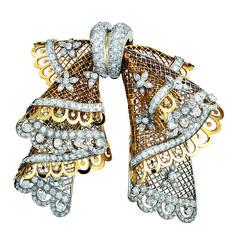 Vintage-Van-Cleef-and-Arpels-gold-and-diamond-brooch-circa-1949