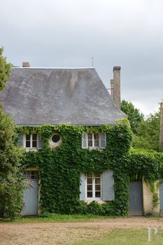 France, Loire valley... My dream.....Oh, to wake up to the sounds of nature....and sitting in my little french jardin...while sipping a latte and taking in the fresh scents of lavender and the old world rose 'Madame de Pompador'......ahhhhhh....