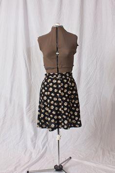 Vintage Styled High Waisted  Daisy Skirt (M)