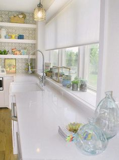modern kitchen decorating with wallpaper-so clean and neat