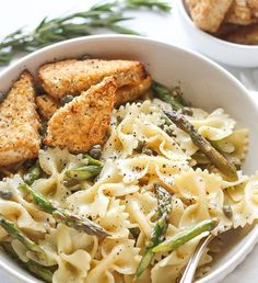 Asparagus and Caper Butter Pasta with Breaded Tofu Tofu Recipes, Vegan Dinner Recipes, Vegan Dinners, Vegetarian Meals, Butter Pasta, Garlic Noodles, Fresh Broccoli, Frozen Vegetables, Loosing Weight