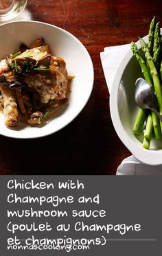 Chicken with Champagne and mushroom sauce (poulet au Champagne et champignons) Easy Mushroom Recipes, Sage Recipes, Mushrooms Recipes, Mushroom Dish, Mushroom Sauce, Dishes Recipes, Oven Recipes, Food Dishes, Chicken Recipe With Wine