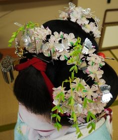 Amazing junior sakura kanzashi for april.